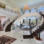 scala scenografica interna villa
