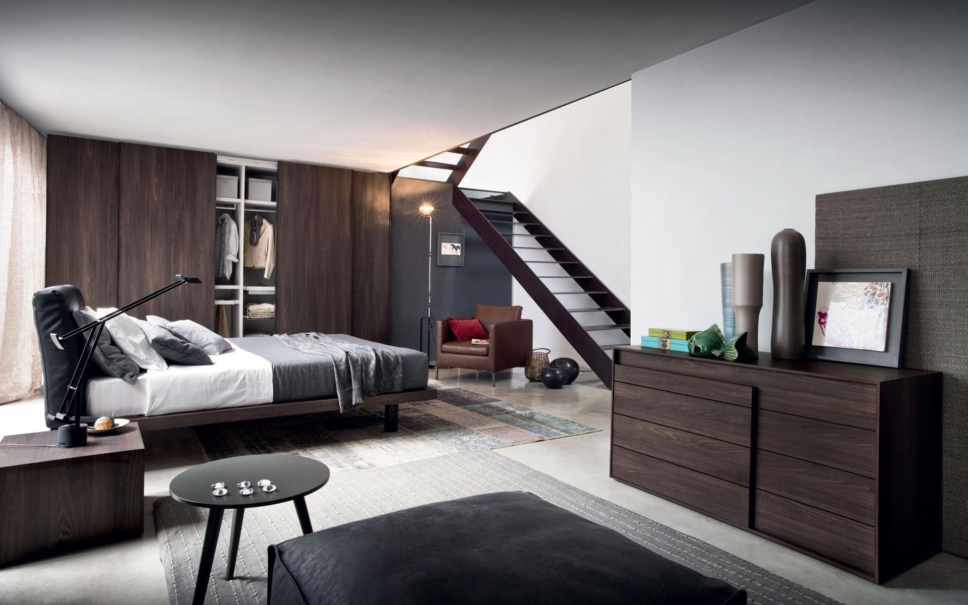 Disegno letto mansarda da camera for Illuminazione camera da letto matrimoniale