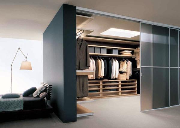 Ispirazioni di cucine soggiorni e altri ambienti interni - Cabina armadio dietro al letto ...