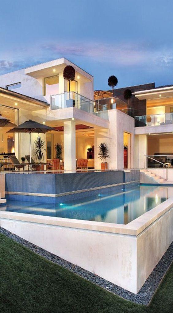 Case moderne come realizzare la propria casa dei sogni for Creare la propria casa
